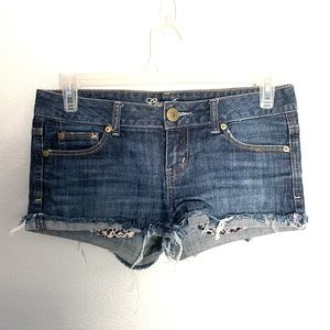 GUESS JEANS cut off denim jean shorts size 29